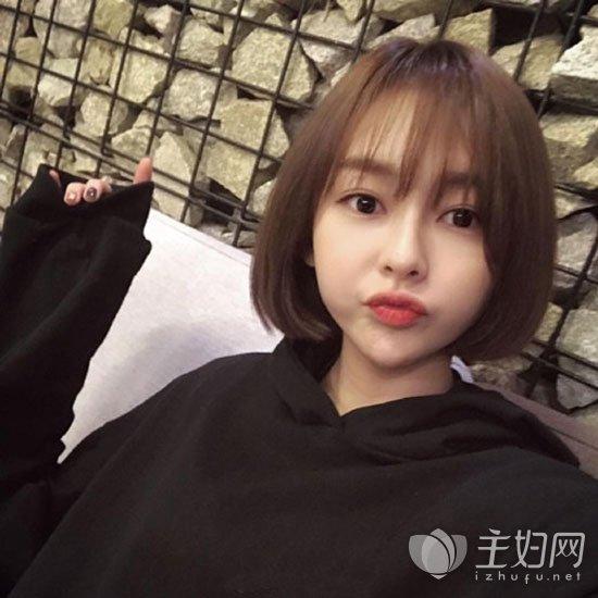 女生短发减龄显嫩 2017年减龄发型短发莫属