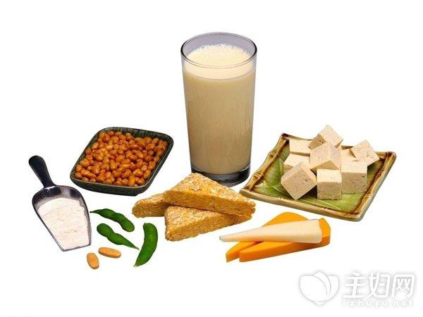 [女性喝豆浆的好处]女性喝豆浆虽好 但要注意3大食用禁忌