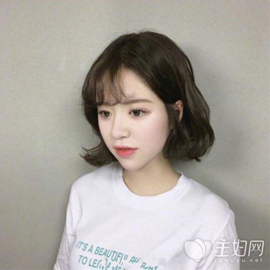 韩国明星中短发发型_韩国短发发型图片 时尚短发值得换上_主妇网