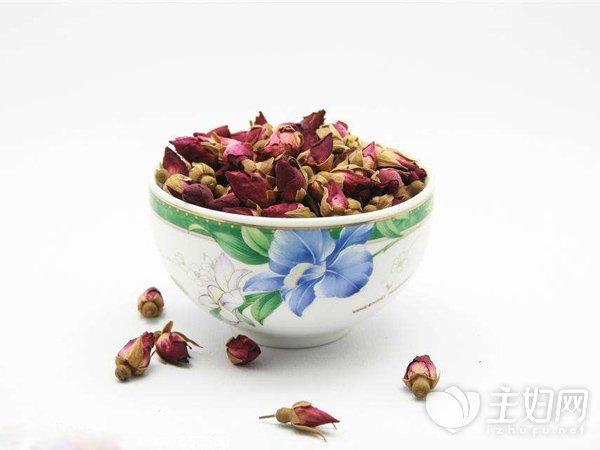 常喝玫瑰花茶能祛斑吗_喝玫瑰花茶能祛斑吗 这样泡是祛斑好帮手