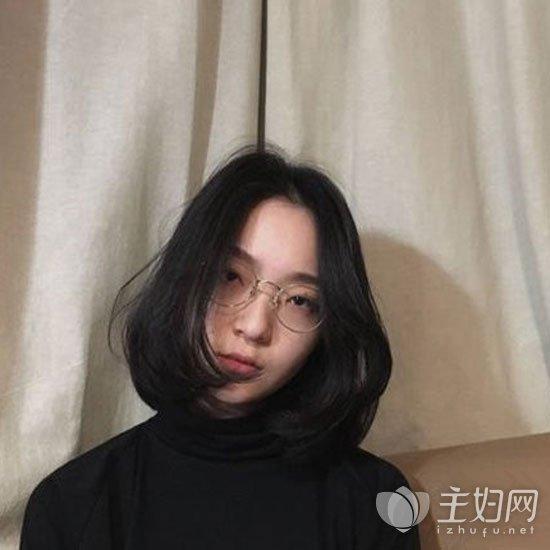 黑色短发发型图片