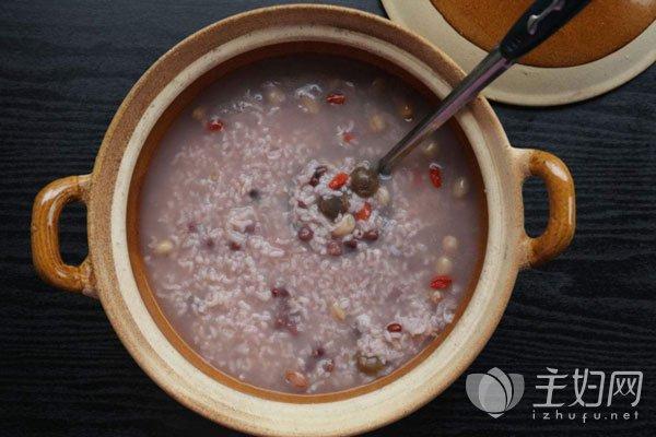 薏米红豆粥的禁忌