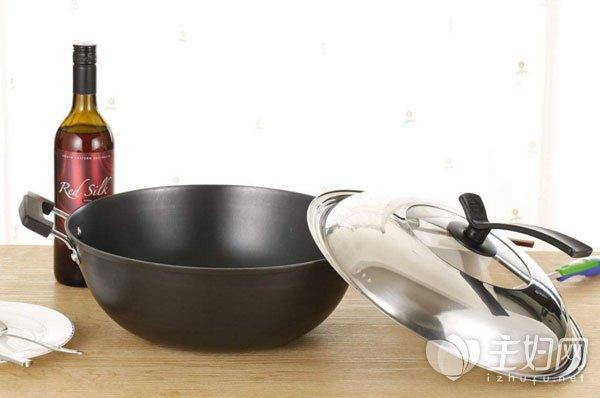 不粘锅涂层有毒吗