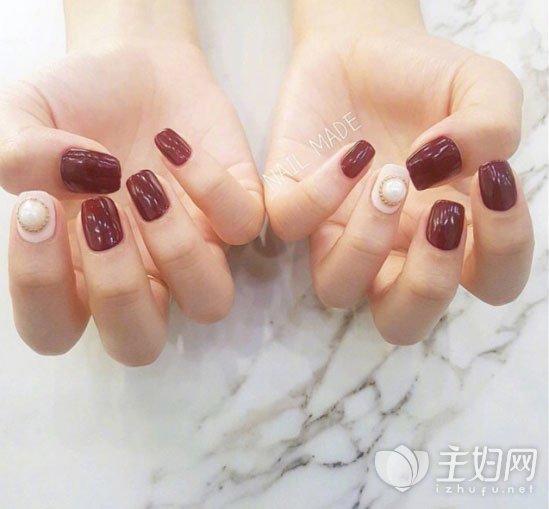 秋冬酒红色美甲