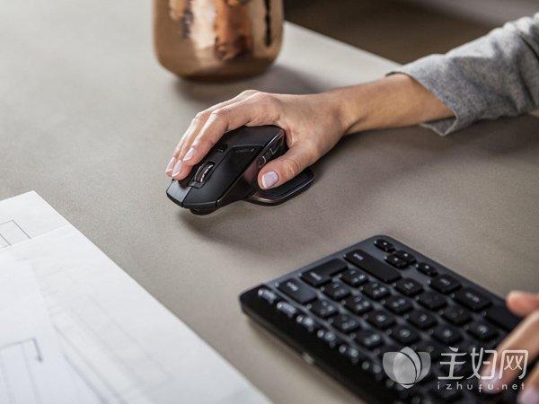 """【鼠标手症状】""""鼠标手""""是种病 玩电脑的人都要注意"""