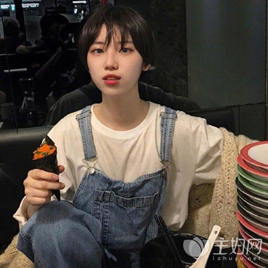 就比如韩国美女高俊熙对齐耳短发也是很热爱的哟.