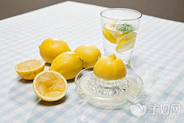 早上喝柠檬水好吗