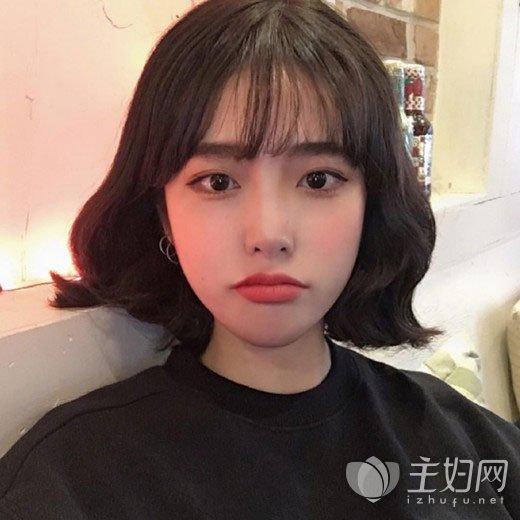 女生烫发发型图片