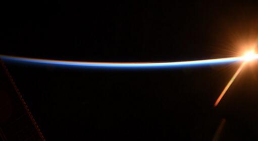 日本一宇航员在外太空3周长高了9厘米