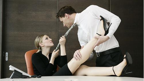办公室恋情有什么要遵循的法则 学会这些轻松应对办公室恋情