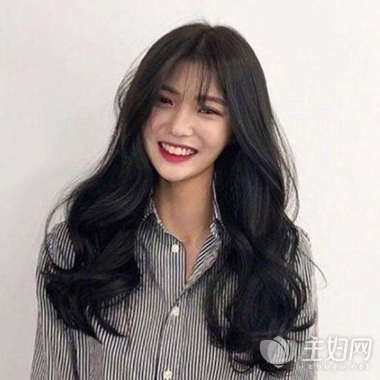 空气刘海长卷发发型
