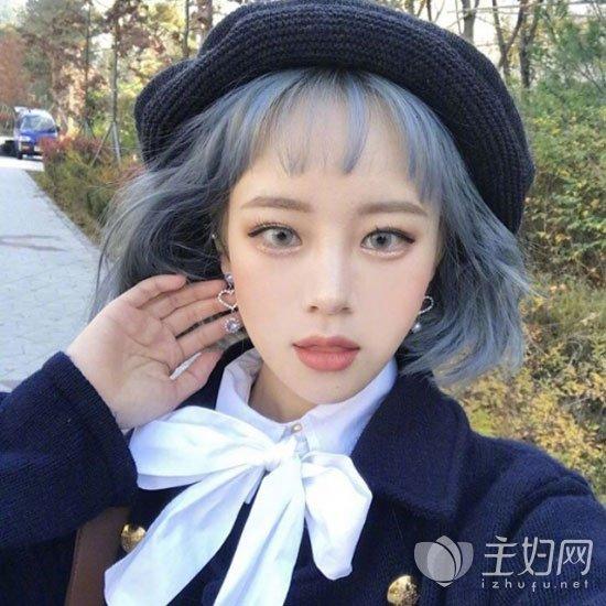 蓝灰色头发颜色