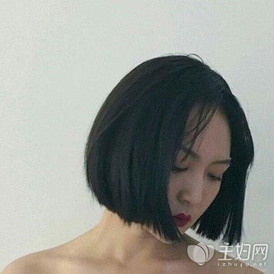 短发直发发型