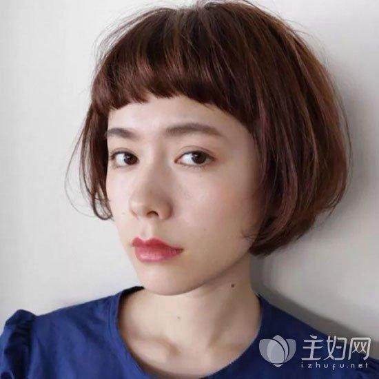 棕色短发发型图片