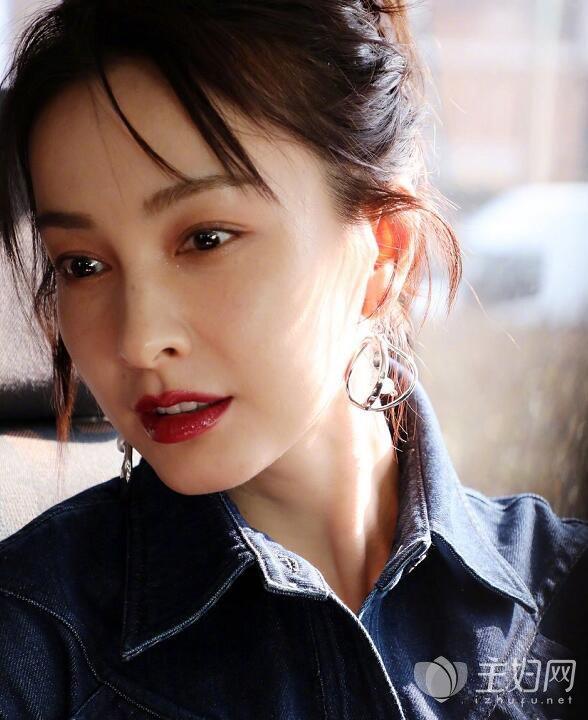 吴昕出席米兰时装周看秀