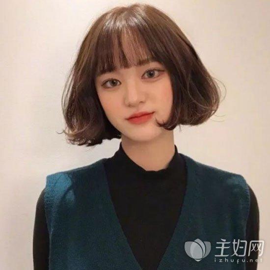 齐刘海短发发型