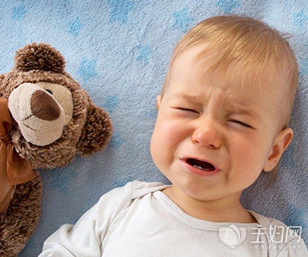 宝宝晚上睡觉爱哭闹是韦德娱乐平台原因