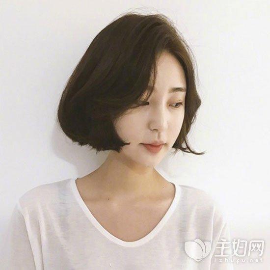 偏分短发发型图片