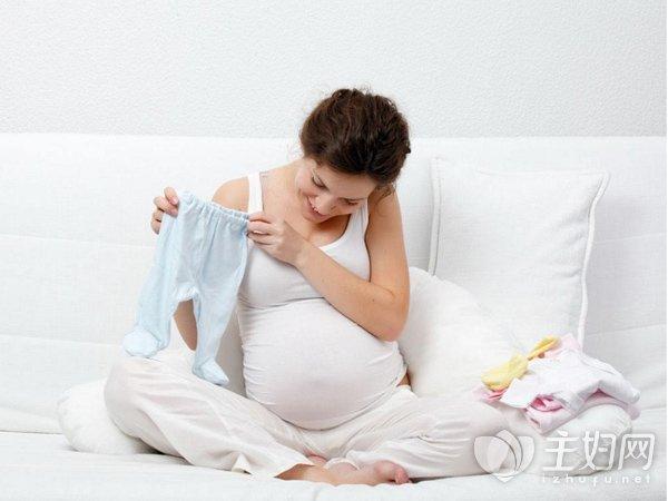 很多妈妈们在纠结 为了坐月子 需不需要剪短发