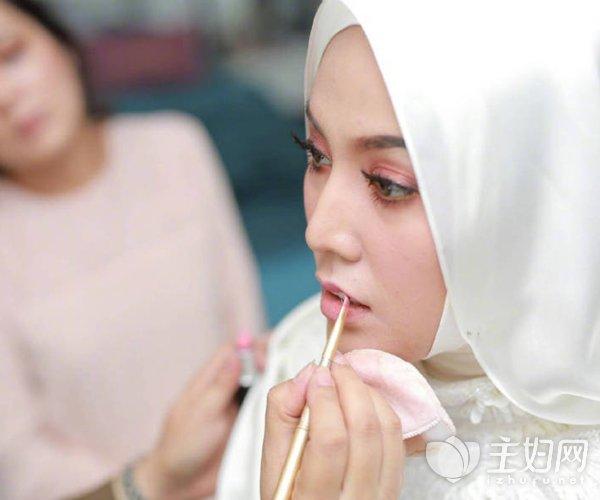 那个凭《我是歌手》红遍两岸的马来西亚女歌手结婚了