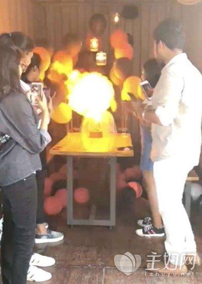 氢气球爆炸
