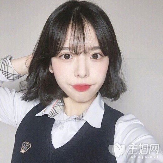 2018最新潮女学生短发发型图片