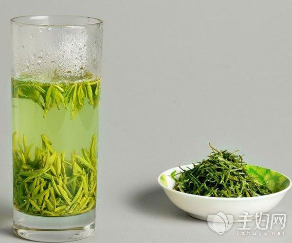绿茶和什么一起泡水喝最好