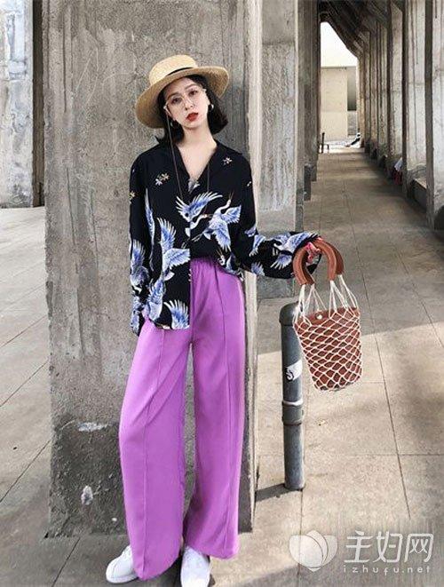 紫色裤子配什么衣服好看