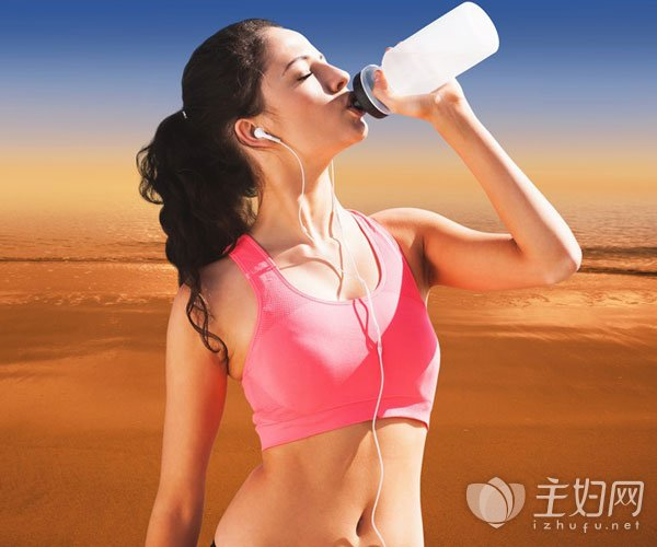 喝冰水减肥还是热水减肥好