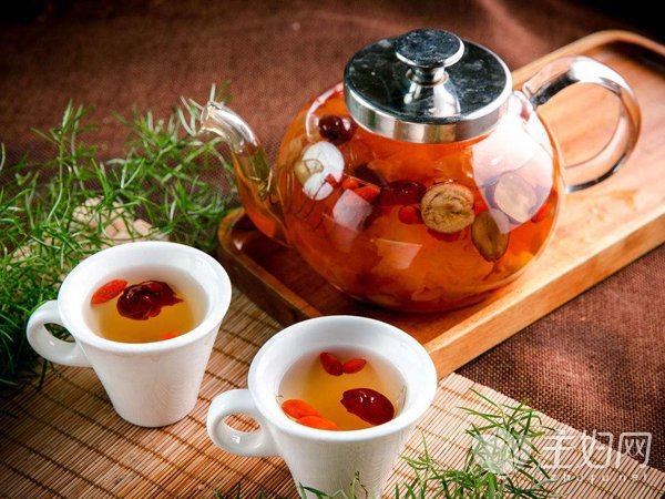 夏季女人补气血喝韦德娱乐平台茶