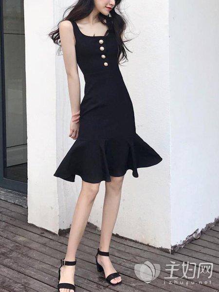 黑色连衣裙配什么鞋子