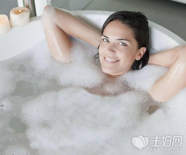 洗澡后皮肤干燥的原因