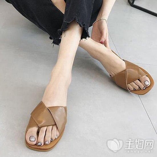 2018流行什么拖鞋