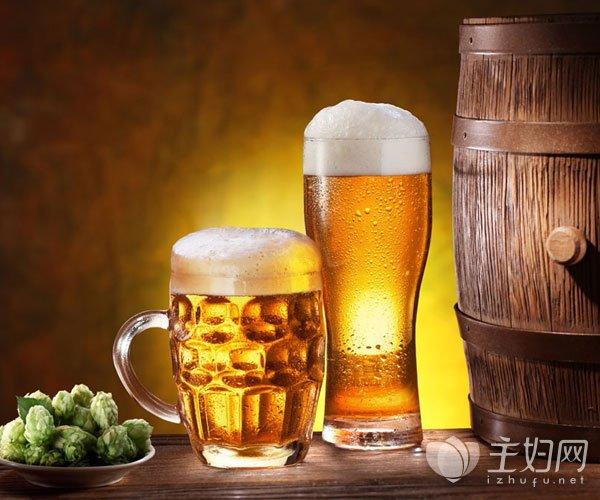 夏天喝啤酒的好处