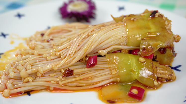 清爽开胃下饭菜 夏季金针菇和黄瓜更配哦
