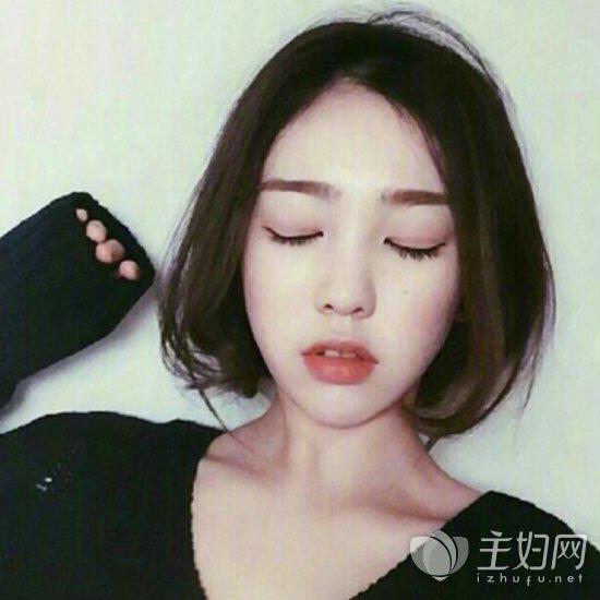 内扣短发发型图片