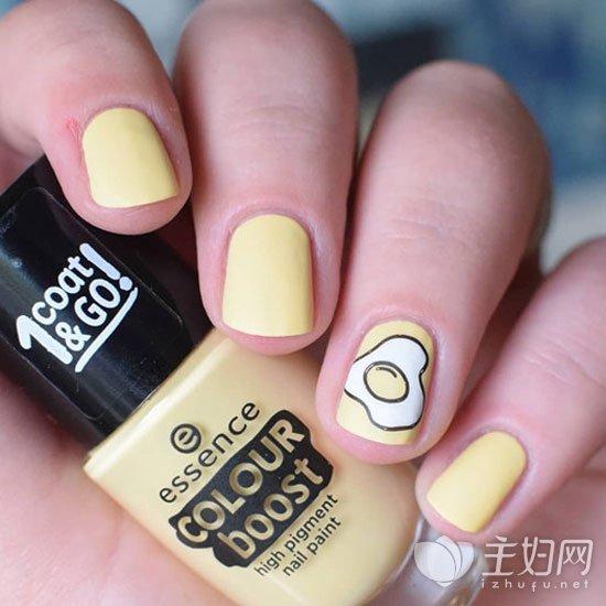 黄色美甲颜色