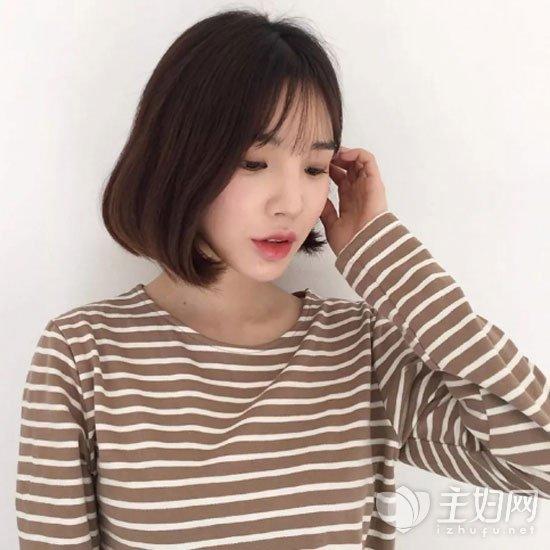 薄刘海短发发型