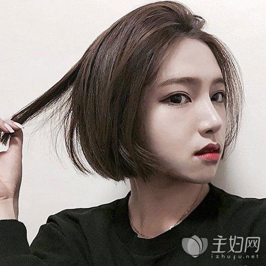 无刘海短发发型