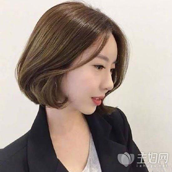 内扣短发发型