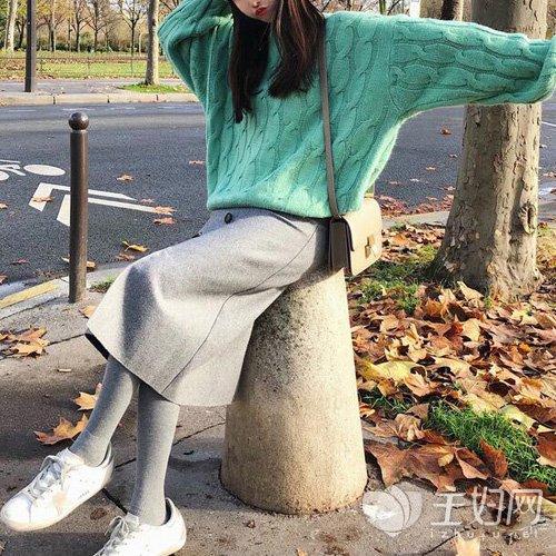 宽松短毛衣怎么搭配,毛衣怎么搭配裙子,毛衣怎么搭配裤子