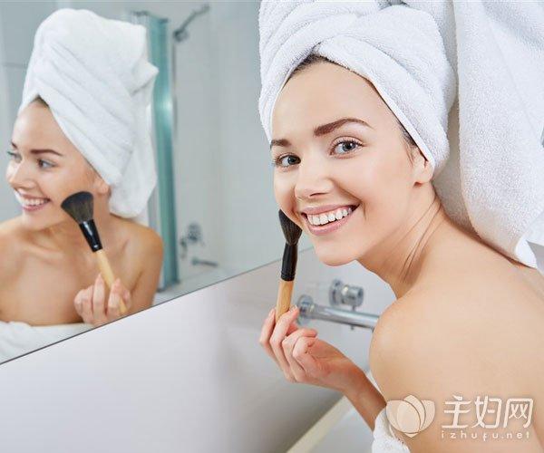 挑选适合自己淡妆颜色的技巧