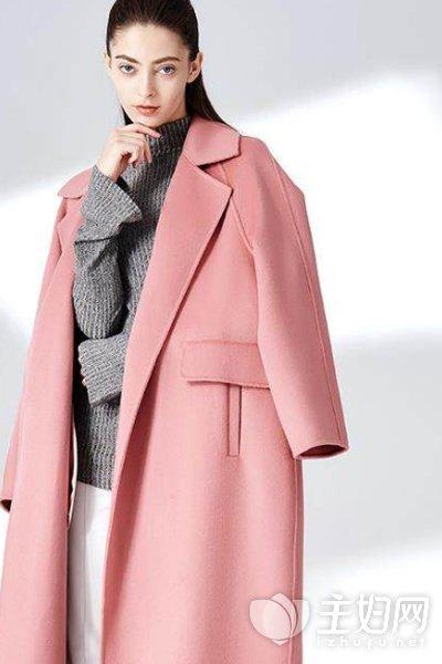 呢子大衣里面搭配什么