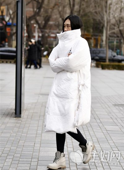 什么羽绒服好看又保暖