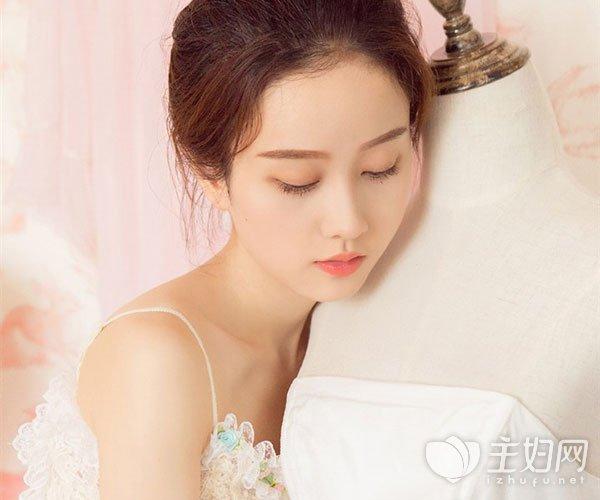 女人晚睡怎么保养皮肤