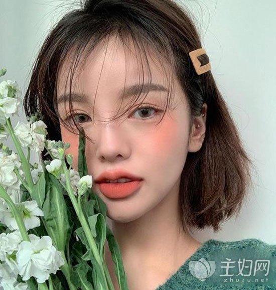 薄刘海短发