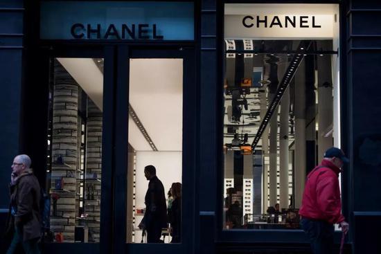 挑选伦敦,还意味着品牌期望在动乱时期挖到构思和办理人才