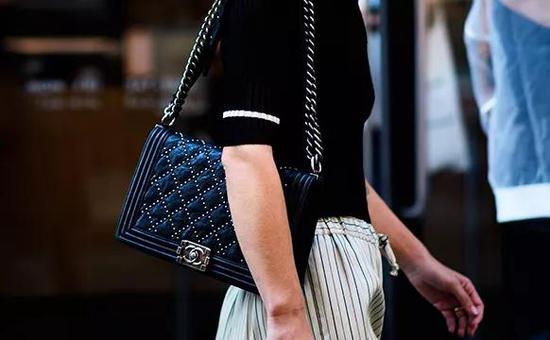 Chanel手袋或将短期内涨价,怎么坚持稀缺性成为最大的应战