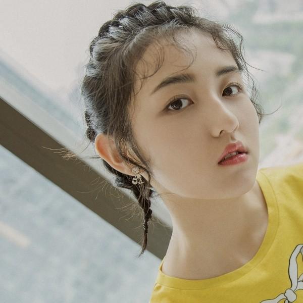 张子枫短发造型