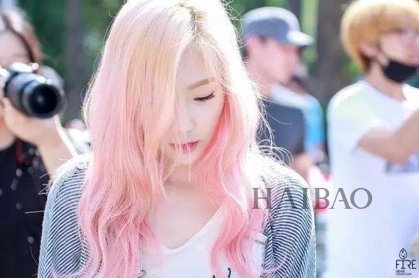泰妍粉色头发造型